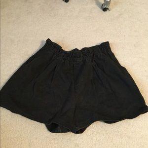 Vintage 80's high waist black denim mom jean short